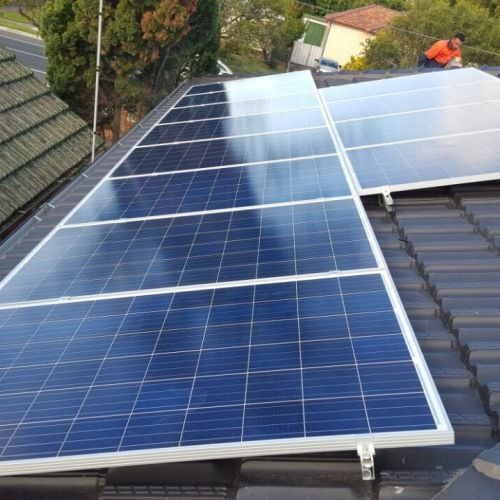 Investing In A High Quality Solar Panel System Solarpanelcost Solarpanelroof Homesolarsystem Commercialsola Solar Panel Cost Solar Panels Used Solar Panels