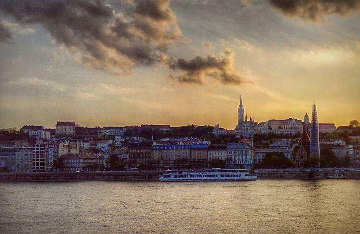 #budapest #tramonto sul #danubio