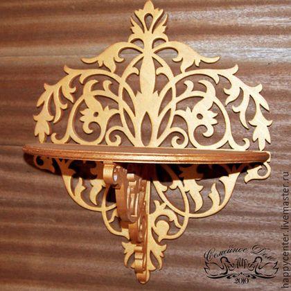 Полочка настенная из дерева. Цвет - античное  золото. Техника -  прорезная резьба по дереву (ажурная резьба). Ручная работа. Семейное дело АИА.