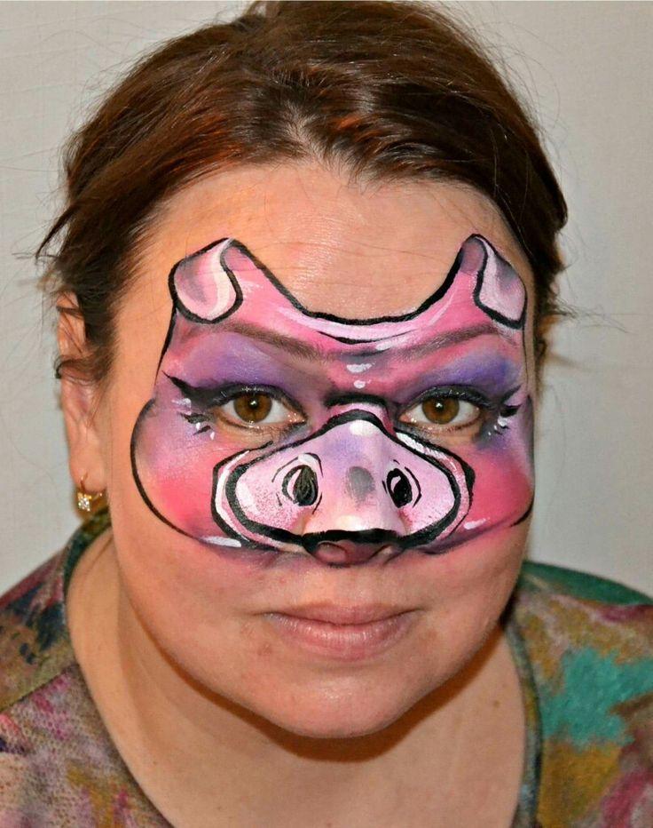 Tanya Maslova pig face painting design