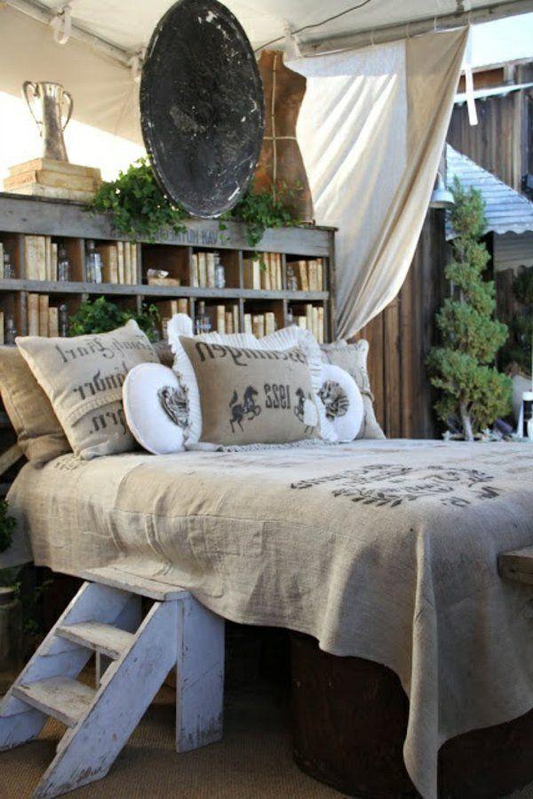 Fabriquer une tête de lit originale avec bibliothèque