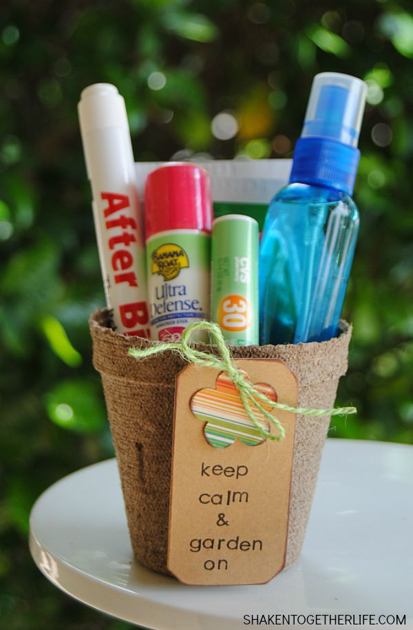 Need a thoughtful gift for the gardeners in your life? Fill a seed pot with sunscreen, insect repellent, cooling spray and more! Keep Calm and Garden On Gifts for Gardeners are the perfect Spring gift!