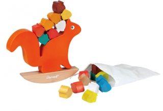 Grappig evenwichtsspel as seen on Villa Kakelbont. Houten speelgoed wat ook nog in de bos-babykamer past! <3