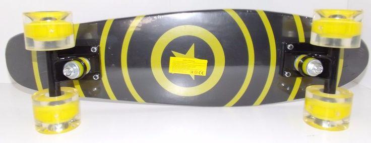 """22"""" Cruiser Style Skateboard Wooden Deck Skate Board LED Light Wheels Star #UnbrandedGeneric"""