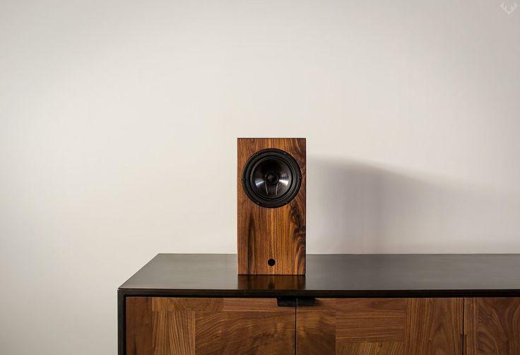 AirPlay Bluetooth Walnut Speaker