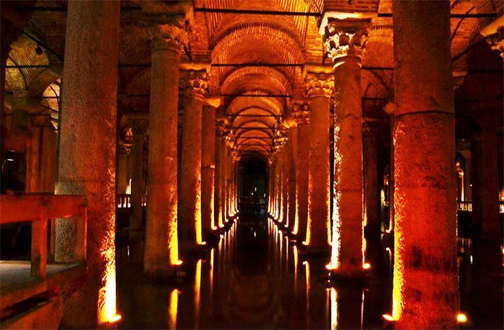 魔法の世界に迷い込んだかのような「トルコの地下宮殿」が絶景 / 魚も棲む巨大貯水槽