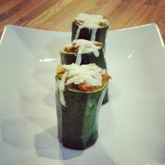 Calabacines rellenos verduras, bonito y anchoas