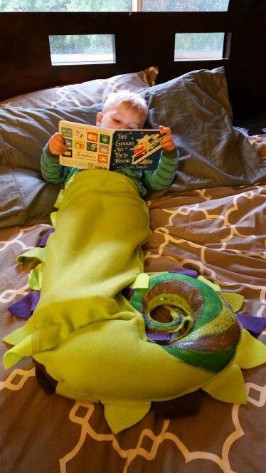Dragon tails sack blanket :) @kat_ogletree1  makes them