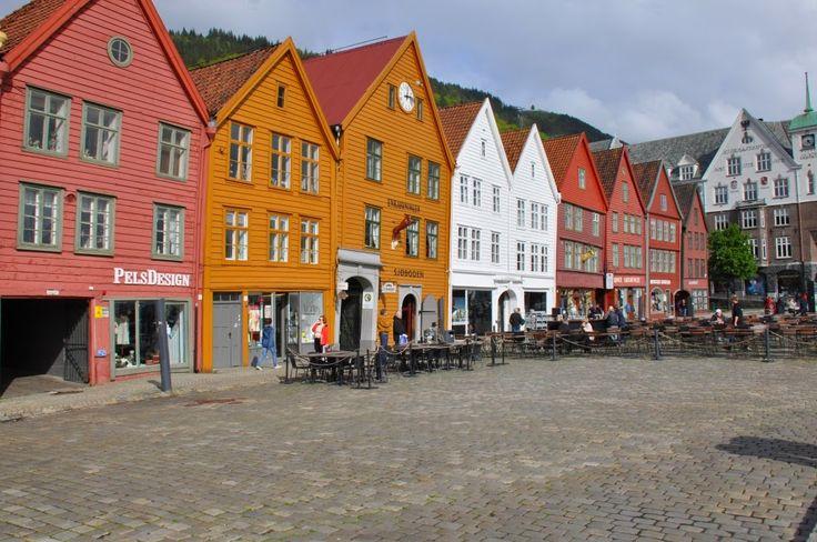 Norges nationaldag d. 17. maj er noget helt særligt. I 2014 var det endog endnu mere specielt, da det var 200 året for Norges selvstændighed. Vi havde derfor inviteret os selv hjem til vores veninde Lisbeth, som bor lidt uden for Bergen, for at være sammen med lokale nordmænd i deres fejring af den store dag. 17. maj faldt dette …