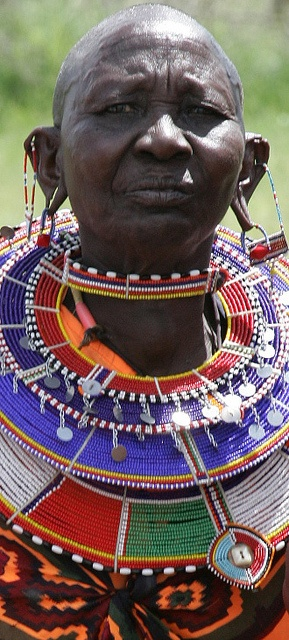 Maasai woman on the Kitengela rangeland outside Nairobi, Kenya (photo credit: ILRI/Stevie Mann).