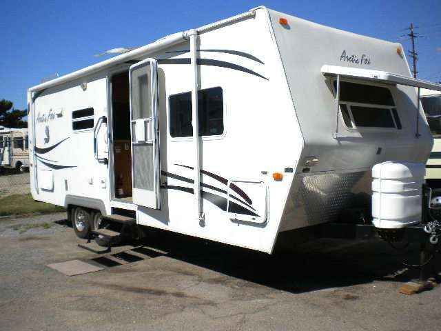 2008 Used Northwood Arctic Fox 25R Travel Trailer in California CA.Recreational Vehicle, rv, 2008 Arctic Fox 25R FRONT BEDROOM 6360LBS. SOFA.DINETTE,LARGE COUNTERS,DUCTED AIR, AWNING, MICRO-WAVE,SPARE TIRE,FT.WINDOW,STABILIZER JACKS,PLUS MUCH MORE.