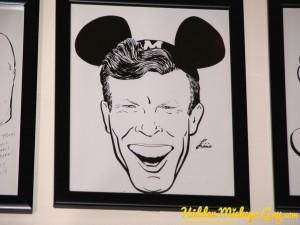 """#DHS Hollywood Brown Derby Restaurant - #HiddenMickey - a caricature of Jimmy Dodd (with his Mouse ears) from the 1950's """"Mickey Mouse Club"""" TV show.  #hiddenmickeys http://www.hiddenmickeyguy.com"""