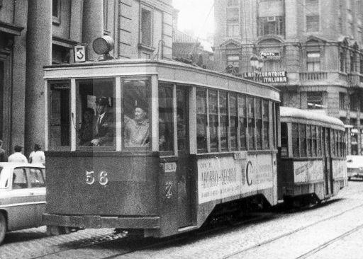 TRANVÍAS DE ZARAGOZA: Zaragoza.- Como este tipo de tranvia que aún circula por las calles de Zaragoza, es el que han donado para el museo de Transportes Antiguos de Caracas (Venezuela). (Sin fecha, años 70) EFElafototeca.com Image : efespseven365944
