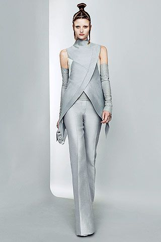 6) interpretations – garments  Paris Fashion Week: Futuristic fashion at Gareth Pugh