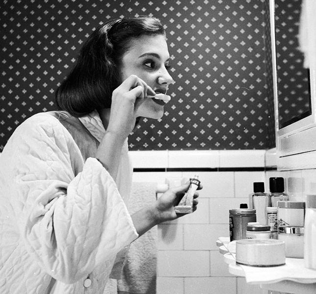 Как на самом деле правильно чистить зубы