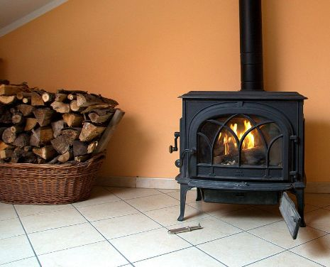 Thin cut wood is the perfect fuel source for small wooden stoves! Kindling burns at a nice, steady peace and is great at heating medium-sized rooms without leaving a horrid burning smell!   For further information on the best wood burning products please visit our website: http://www.swannscoalsupplies.co.uk/index.php?webpage=wood_coals.html  Charles Swann (Walsall) Ltd Old Landywood Lane Essington Wolverhampton WV11 2AP  Tel: 01922 408152