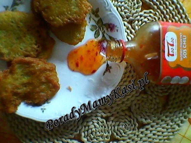 Słodko-pikantny sos chili TaoTao: A któregoś dnia robiliśmy placki ziemniaczane i postanowiłam wypróbować sos właśnie z tą potrawą. Było to dla mnie wielkim zaskoczeniem jak wspaniale mogły one smakować były po prostu rewelacyjne. - See more at: http://poradymamykasi.pl/?p=838#sthash.1DwmFFJc.dpuf