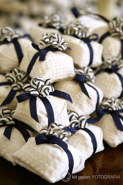 Bem casado. Outro estilo de tecido, tbm fica lindo!