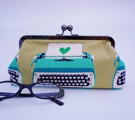 #Typewriter Clutch #BookishGifts WritersRelief.com
