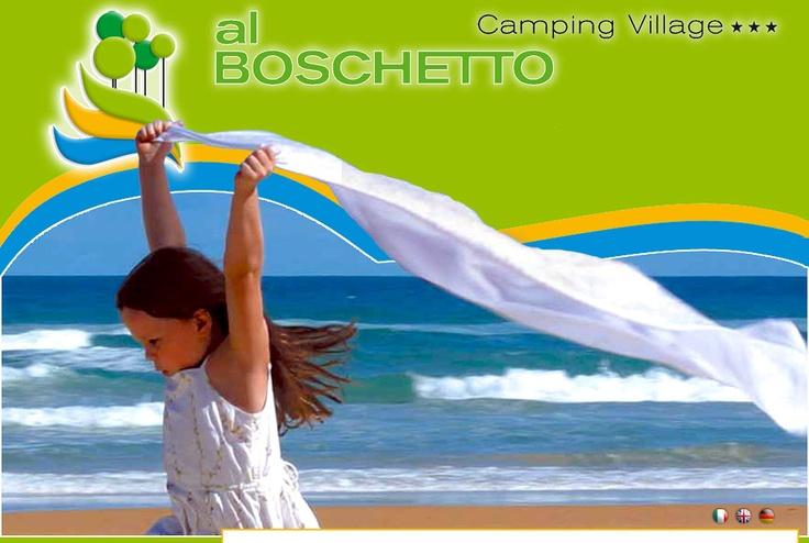 Houd je van kamperen en wil je Venetië zien? Maar heb je geen zin in die megacampings? Dan is Camping Village Al Boschetto een goed alternatief. Een camping met vooral Italiaanse gasten, het strand ligt direct aan de camping en niet te vergeten: de boot naar Venetië ligt op nog geen 20 minuten afstand voor je klaar!