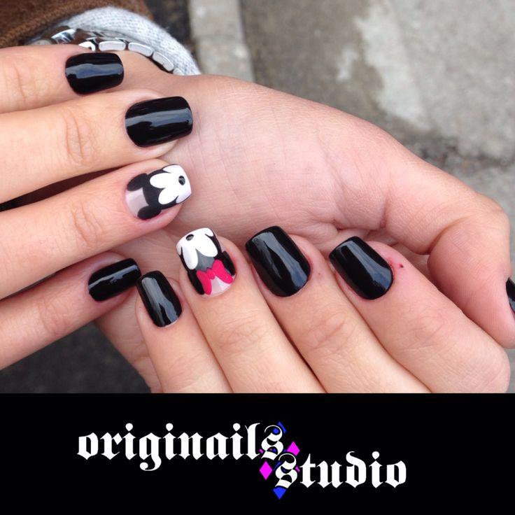 Acrylic false nails and mickey