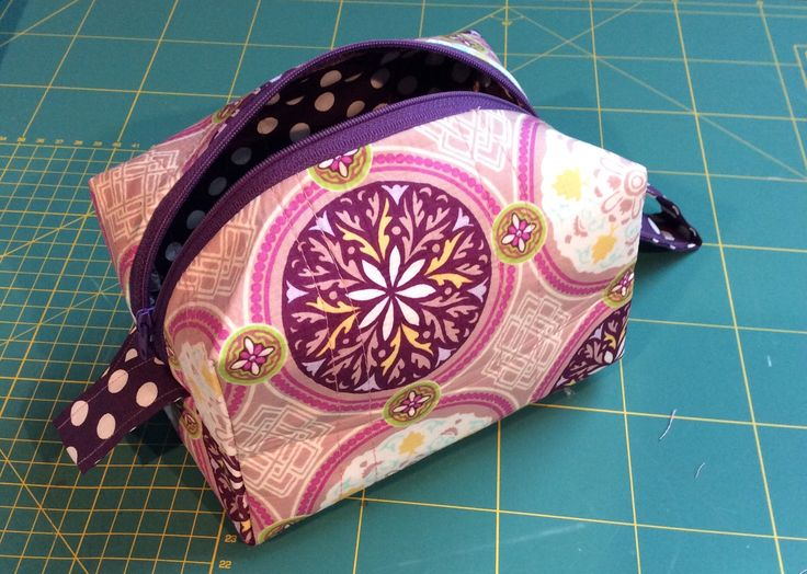 Cosmetics Bag - my first zippered bag!