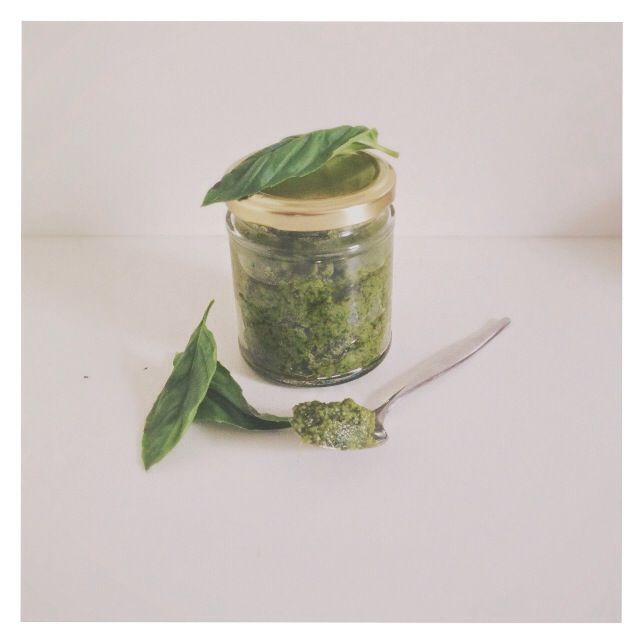 Homemade pesto, cashew free for people like me who can't have cashews :( recipe on instagram: @gw_healthyhabits