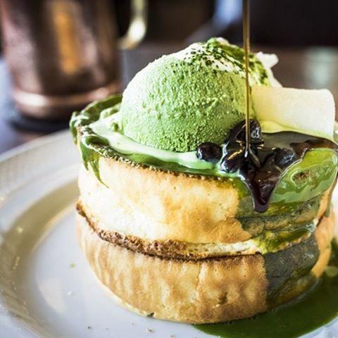 #toptokyorestaurants Matcha souffle pancakes ||: @tenpapasan ||Hoshino Coffee