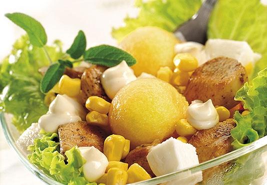 Sałatka z melonem i mozzarellą/ Salad of melon and mozzarella, www.winiary.pl