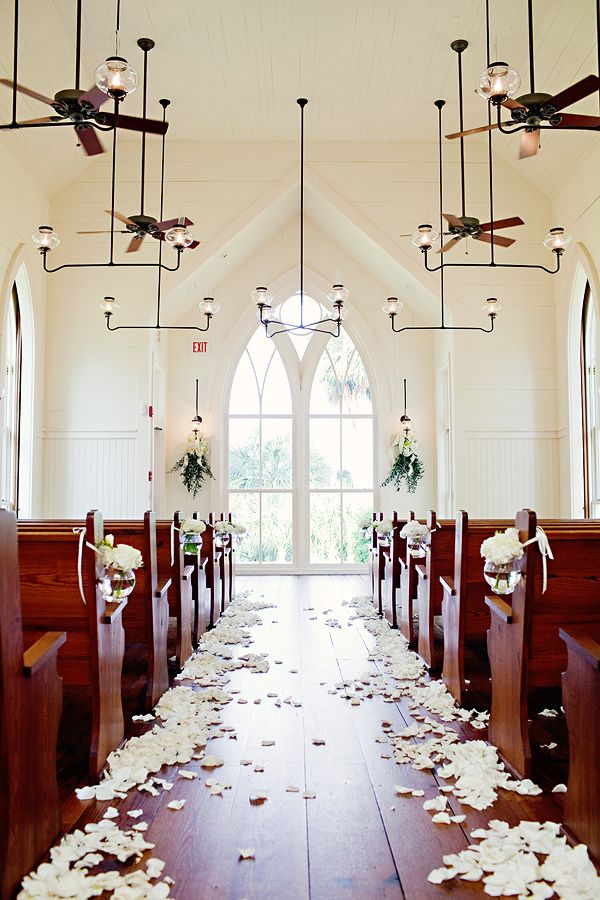 palmetto bluff.: Church Decoration, Church Weddings, Southern Charms, Old Church, Get Married, Southern Weddings, Church Ceremony, Weddings Church, Roses Petals