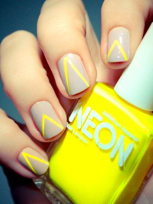 love the neutral + neon #GetYourNeon: Neonyellow, Neonnail, Nails Art, Color Combos, Nails Design, Nails Polish, Nudes Nails, Neon Nails, Neon Yellow