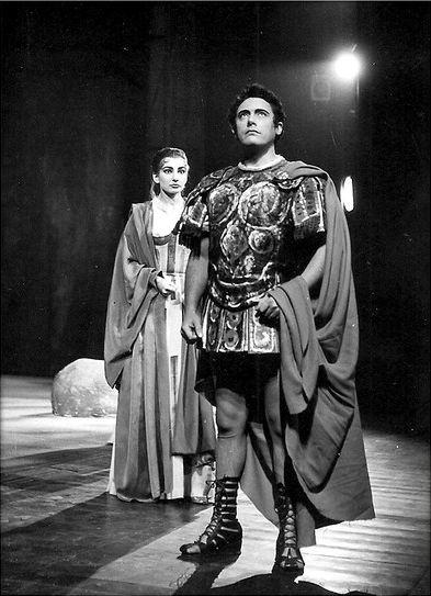 """Maria Callas and Mario Del Monaco in """"Norma"""" (1955-1956)."""