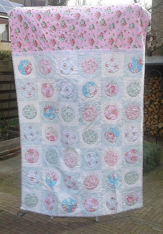 15 Roses for Ayla, front of the quilt