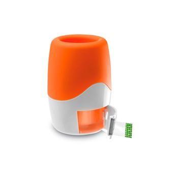 PORTAPENNE mod. MO7996, porta penne e dispenser nastro adesivo (1 incluso). In plastica in 2 toni di colore con finitura in gomma nella parte superiore. Dim. 8,5x8,5x12,8 cm