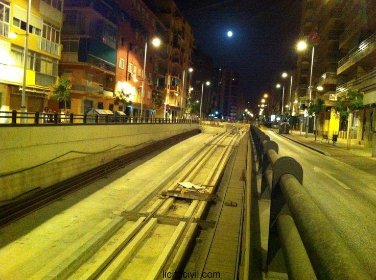 Entrada al túnel en Avda. América. #Obras #metro de #Granada de noche