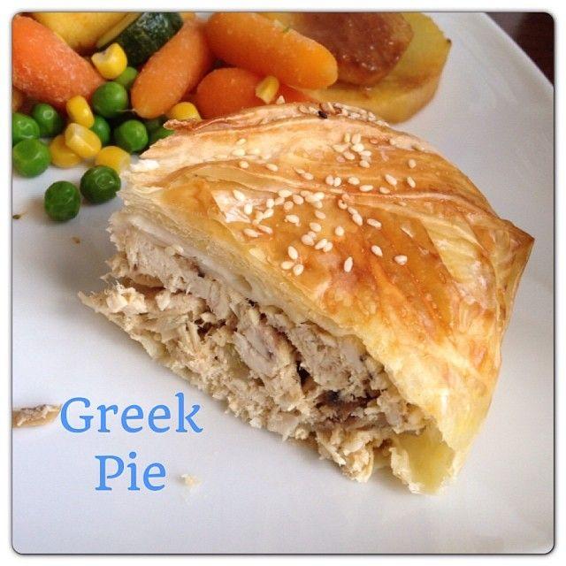 Homemade {healthy} Greek Chicken pie. Tip: Cut out half of the Calories by using Greek Yogurt instead of Cream. www.theonk.com #foodporn #pie