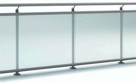 Balkongelaender mit Glas, Absturzsicherung fuer Balkon aus Edelstahl mit Pfosten und Handlauf aus Edelstahl GE-1000