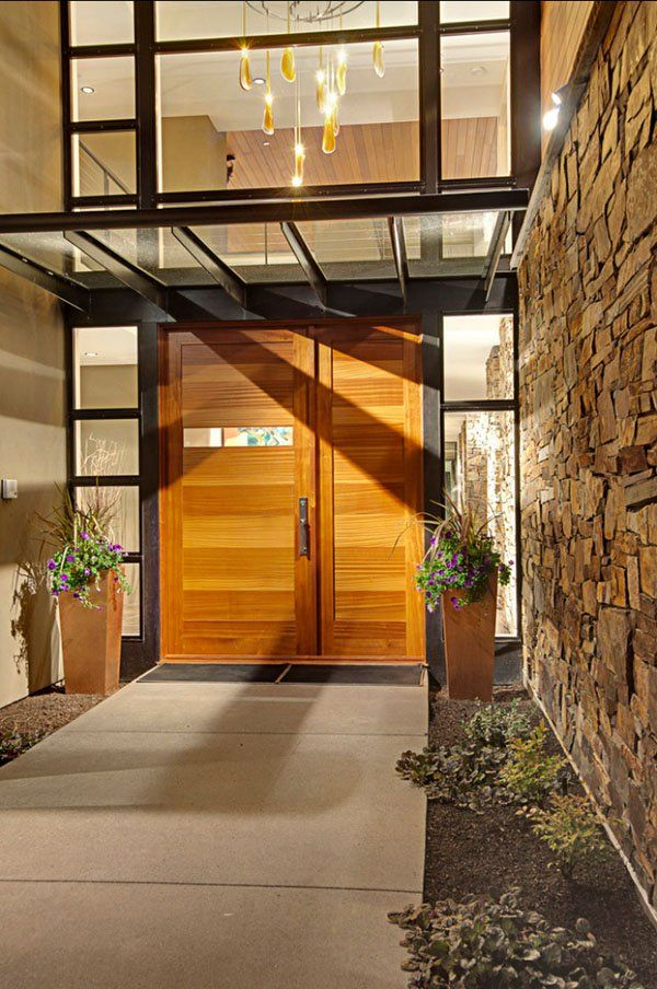 Contemporary house in Seattle surrounded by forest designed by McClellan Architects