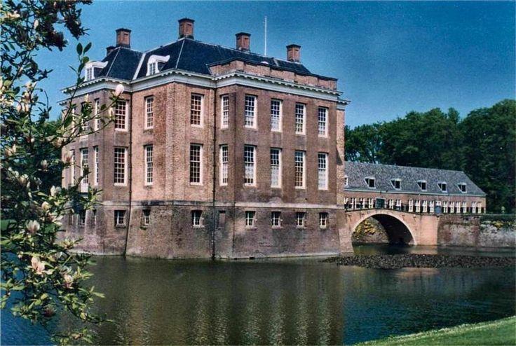 Kasteel Middachten te De Steeg / Gelderland Nederland