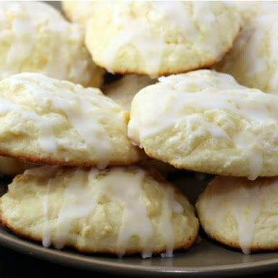 Italian Ricotta cheese cookies... can never have enough of these! Make them for Christmas, Easter or just about any time by changing the colors of the crystals for the decoration.