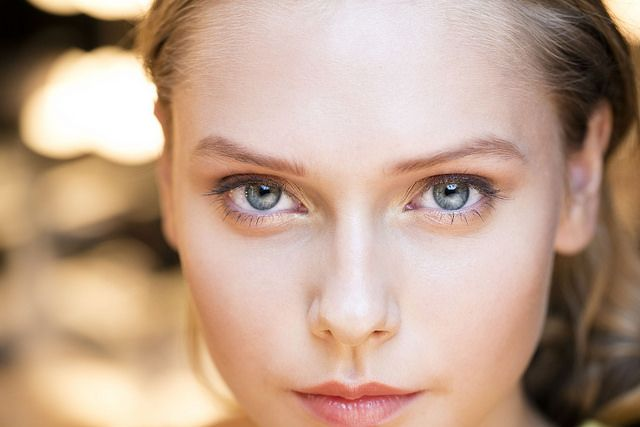 We love this glowing golden look by Aveda artist Janell Geason and her team from Hellessy's NYFW show. Janell used Petal Essence Eye Definer in Gypsum Gold to add a metallic sheen to eyes.