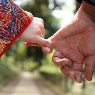 いいね!25件、コメント1件 ― なでしこスタイルさん(@nadeshiko_style)のInstagramアカウント: 「和装の日は、お二人の距離が近づく日。  #結婚式準備 #結婚式 #結婚式撮影 #和装 #神社 #神社結婚式 #神前式 #白無垢 #ウエディングプランナー #ウエディング #プロデュース…」
