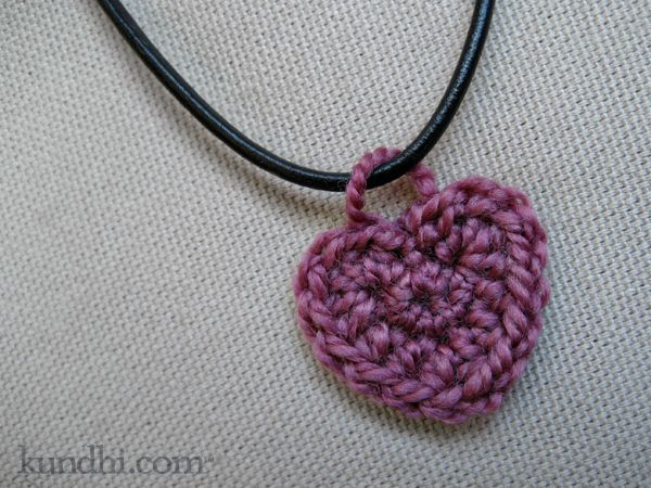 Free Crochet Heart Necklace Pattern : 1288 best images about ? Crochet ? Hearts ? on Pinterest ...