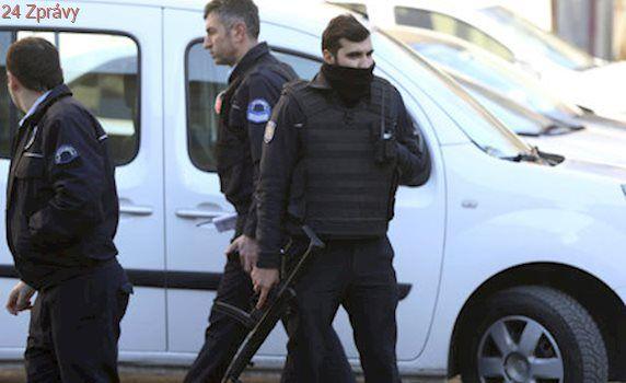 Ozbrojený muž v turecké nemocnici byl policista. Léčil se na psychiatrii