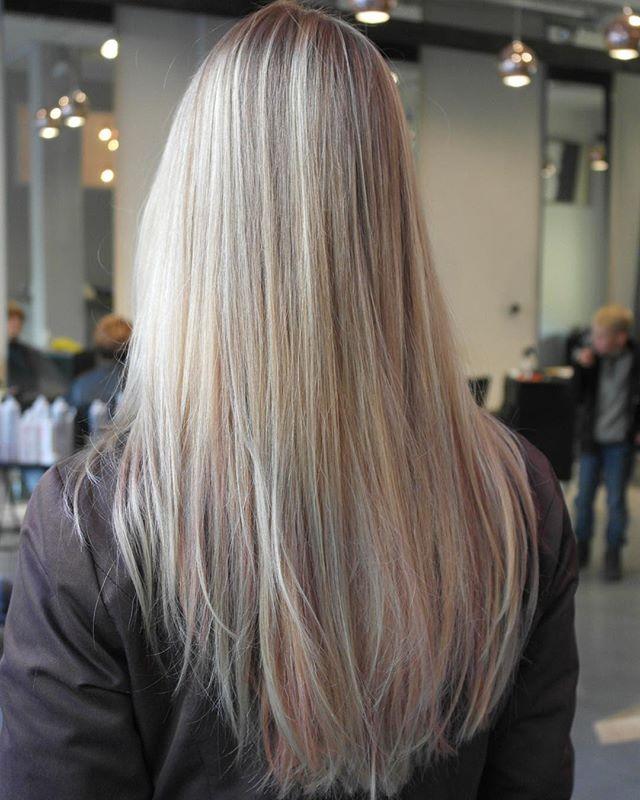 #naturel  #hairbyelisa #highlights #balayagehighlights #balayage #hair #haircut #longlayers #elyciaturku #easyjazzyhip #hairdesignfactory