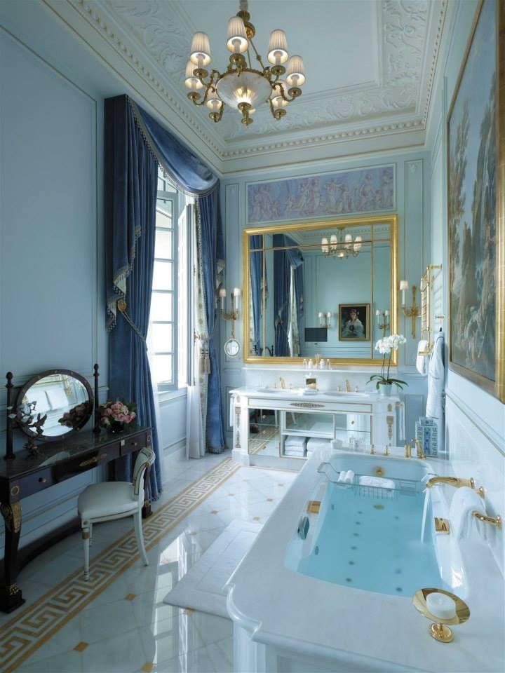 Shangri la Paris, France. #hotel #restroom #chandelier #relaxing #romantic #aristocratic #style #light #design