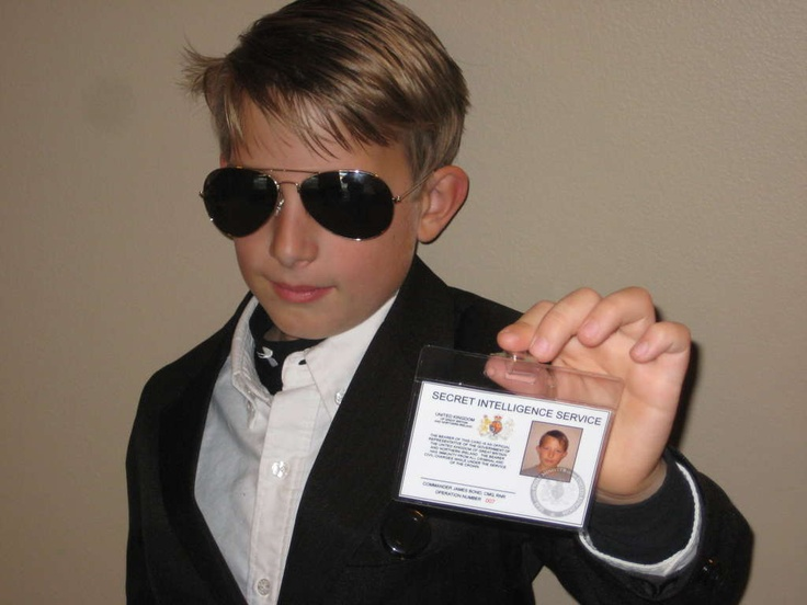 Make your own James Bond 007 ID Card.... this kid is awesome!