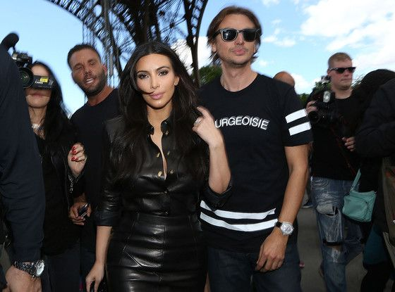 Kim Kardashian and Jonathan Cheban Visit the Eiffel Tower: Watch Now! | E! Online Mobile