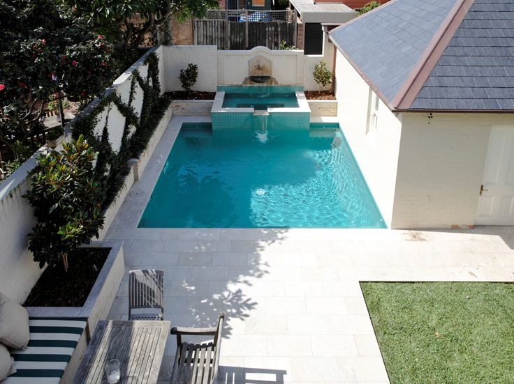 A birds eye view of the impressive pool. See original image at http://www.michaelbellarchitects.com/residential-1/residential-1