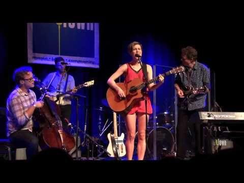 "Missy Higgins / Ben Sollee / eTones - ""Long Ride Home"" (eTown webisode #293)"
